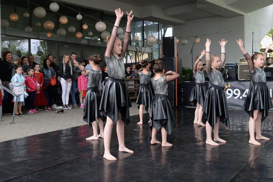 Jótékonysági koncert a Budai ikrekért
