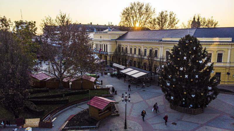 Karácsonyi előkészületek Nyíregyháza belvárosában