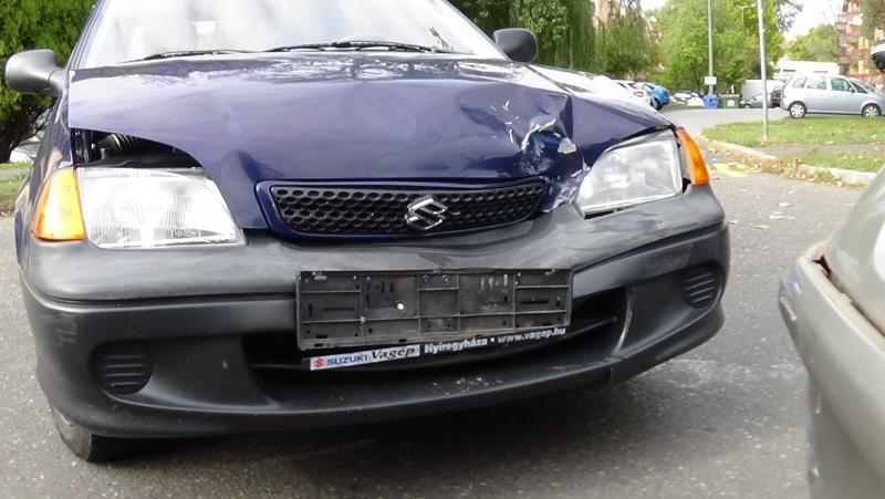 Két autó ütközött még pénteken a Szántó Kovács János utcán