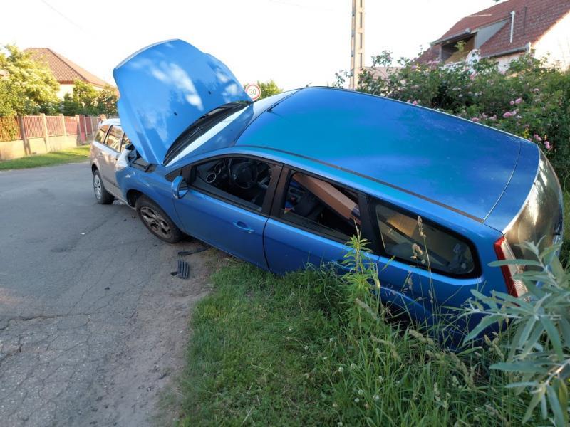 Két autó ütközött össze Nyírszőlő belterületén
