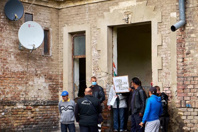 Kilakoltatás a Huszár lakótelepen