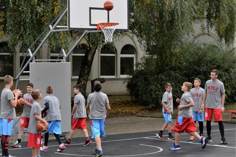 Kosárlabdapálya avató a Westsik Vilmos Technikumban