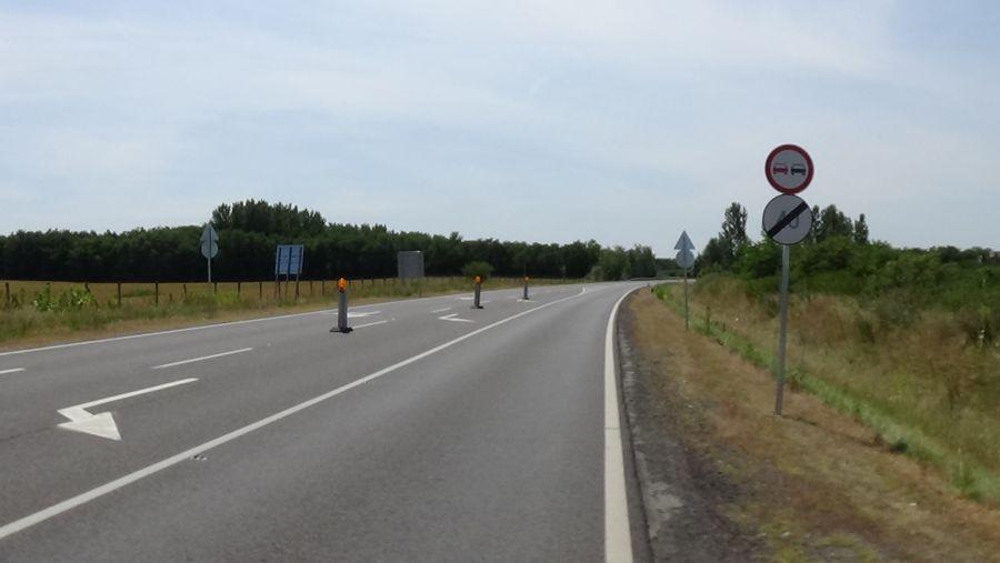 Megkezdődött az új körforgalmi csomópont kialakítása a 403-as elkerülő főútvonalon