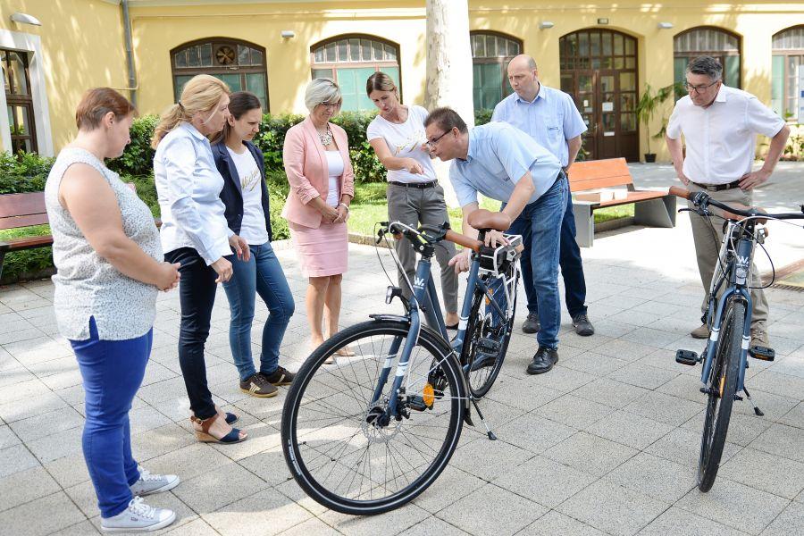 Michelin elektromos kerékpár átadó