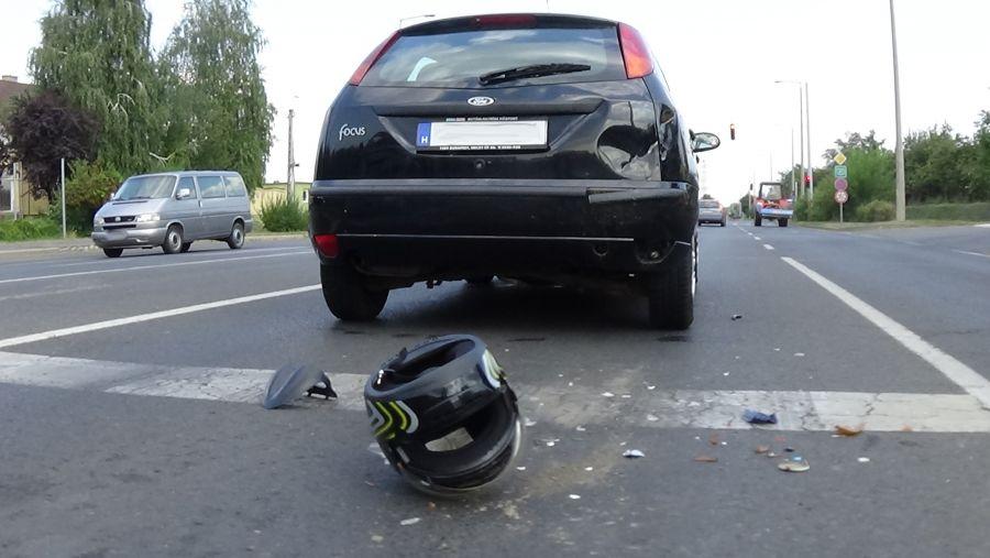 Motoros baleset az Orosi úton