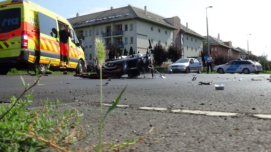 Motorost gázoltak a Kosbor utcán
