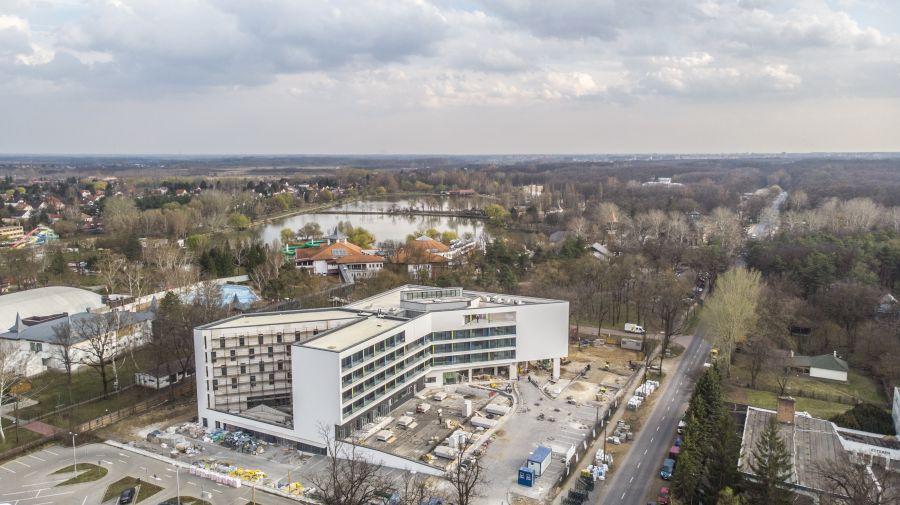 Mozgalmas az élet az új sóstói hotelben