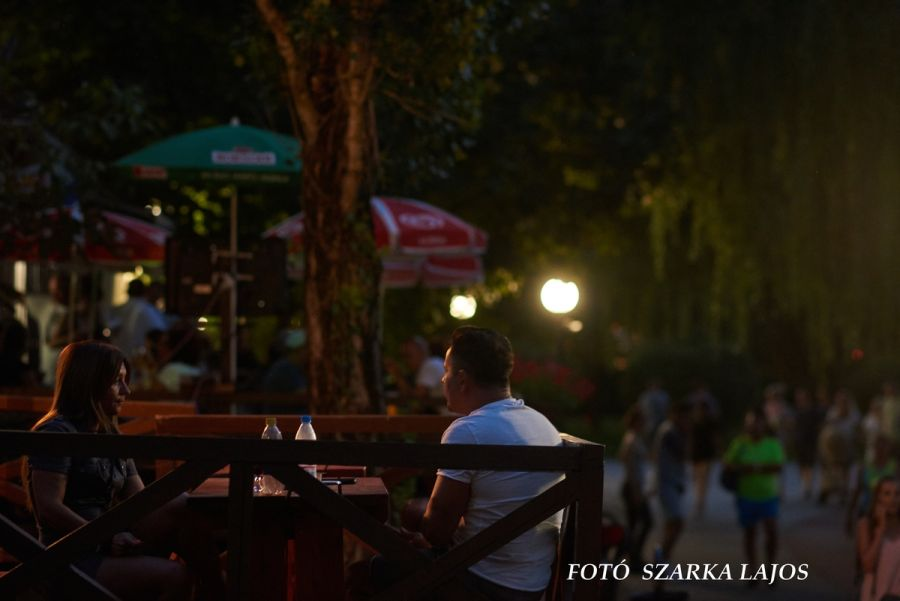 Nyári szombat este Sóstón