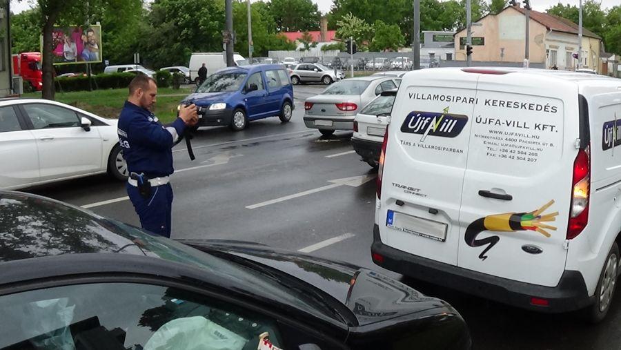 Ráfutásos baleset a Szent István utcán