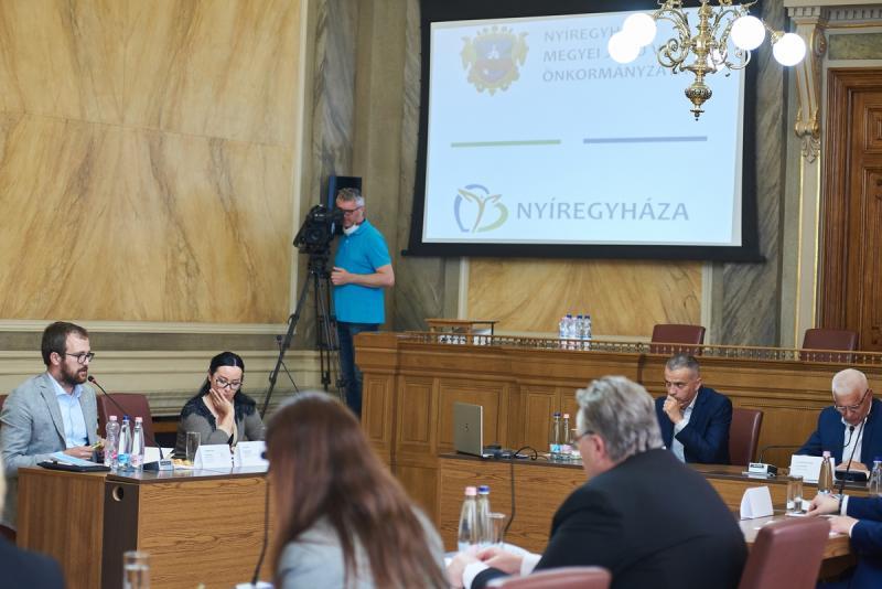 Regionális konferencia a Városházán