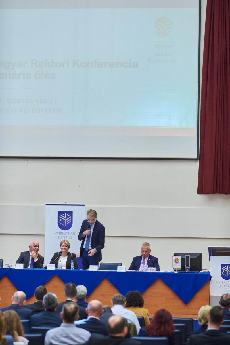 Rektori konferencia az egyetemen
