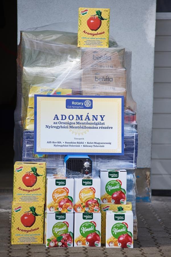 Rotary adomány a mentősöknek
