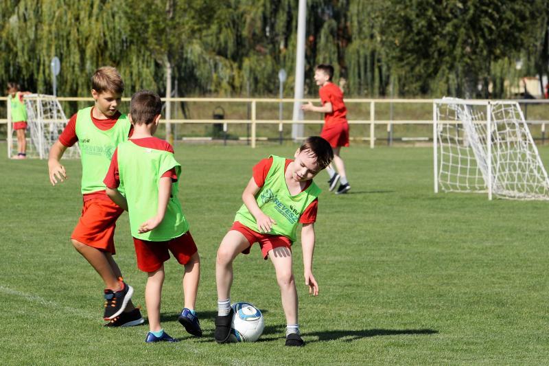 Rúgj labdába program - szerződés aláírás az örökösföldi pályán