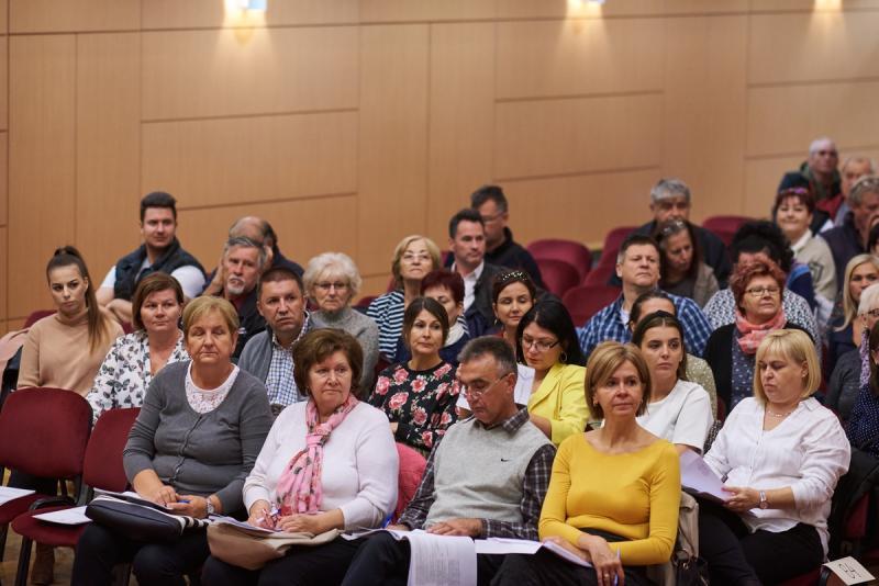 Szavazatszámláló bizottsági tagok eskütétele