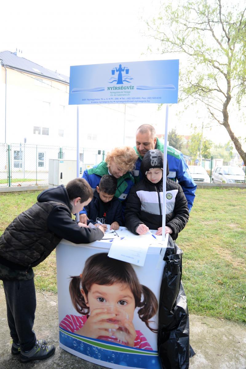 Szemléletformáló program keretében iskolások látogattak a Nyíregyházi Víztoronyba