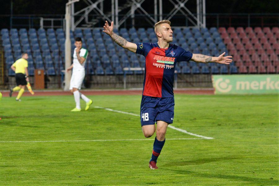 Szpari-Kaposvár labdarúgó mérkőzés