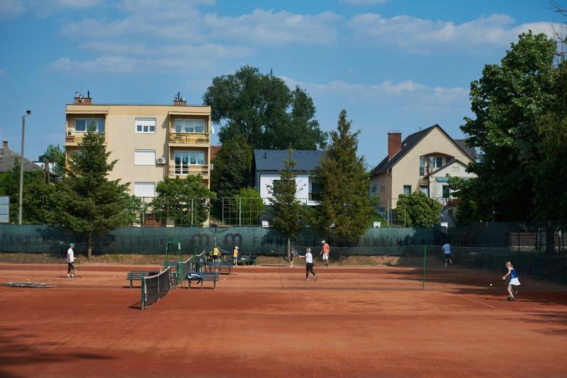 Teniszélet a stadionban 20200519