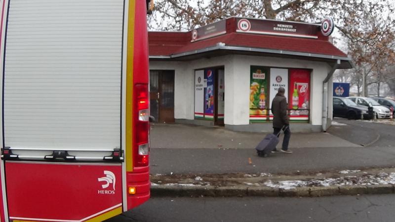 Tűz ütött ki egy dohányboltban