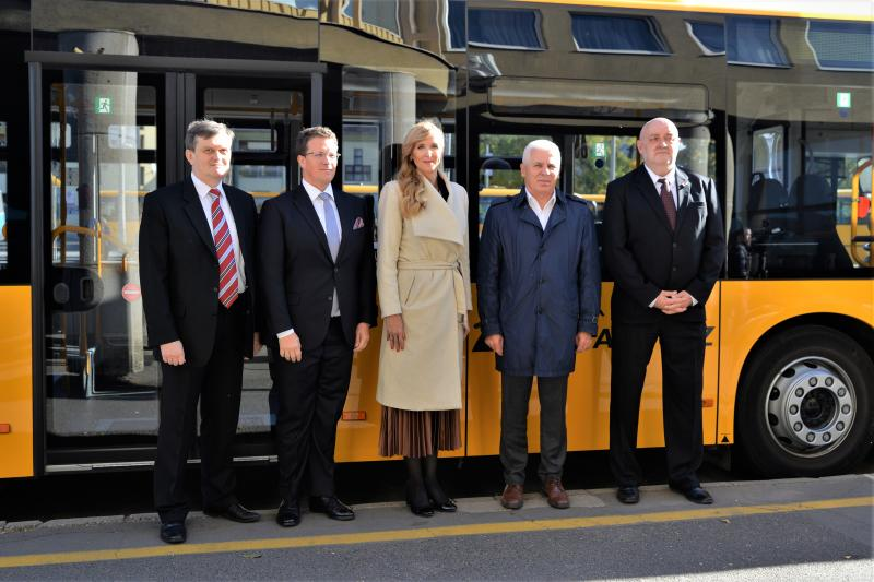 Új távolsági buszokat mutattak ma be Nyíregyházán