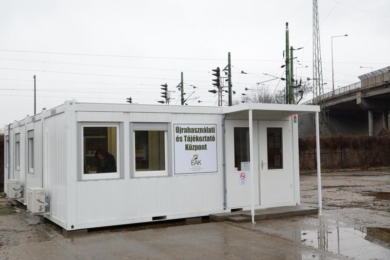 Újrahasználati és Tájékoztató Központ átadás