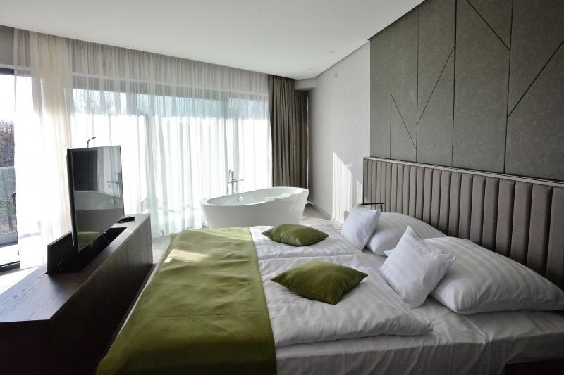 Ünnepi köszöntő a Hunguest Hotel Sóstó-ban