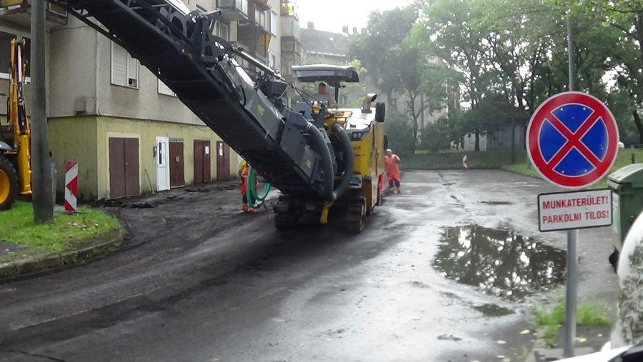 Útfelmarási munkálatok az Árpád utcán
