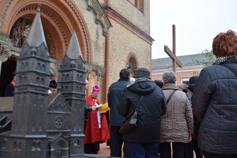 Városi Keresztút – Fotók: Nyíregyházi Egyházmegye