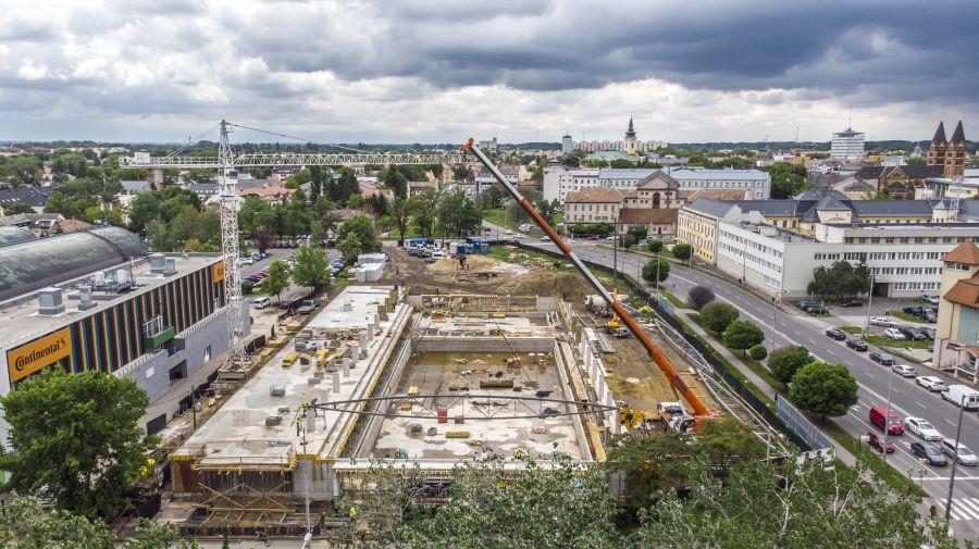 Városi Uszoda építkezése a magasból