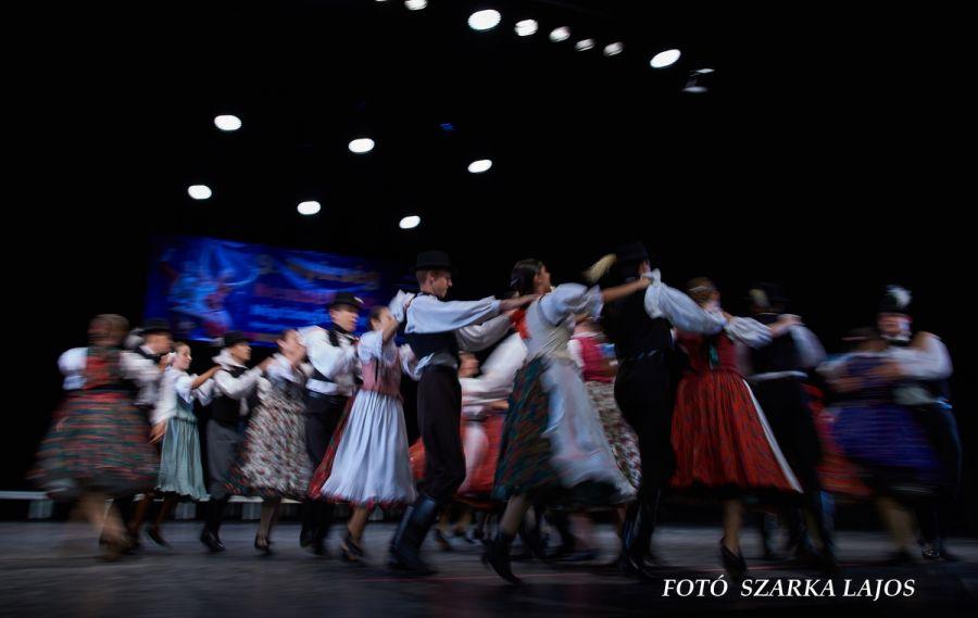 Világok tánca 2019