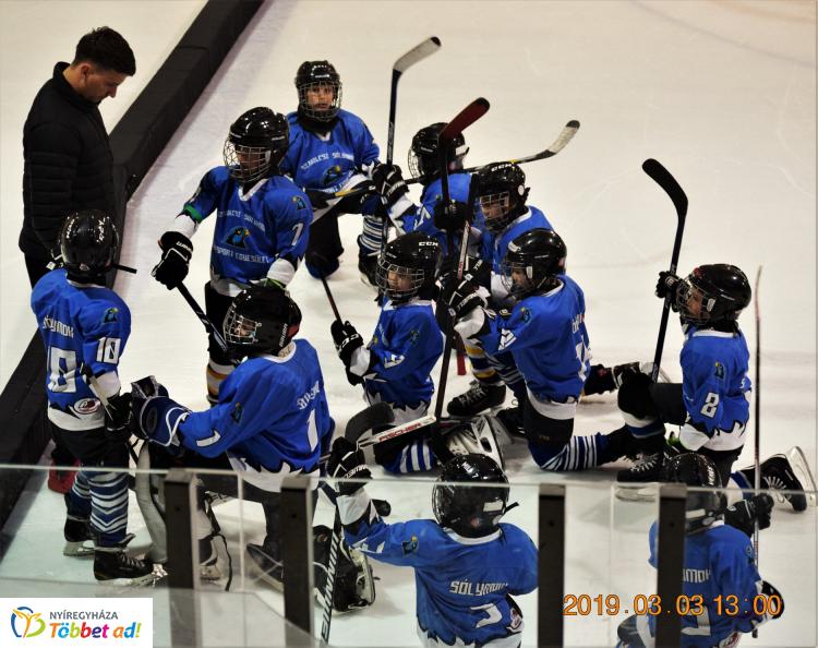 Pályán a jégkorongosok - a Sportcentrum és Szabolcsi Sólymok is több mérkőzést játszott