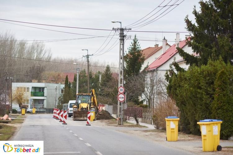 Folyamatos a munkavégzés a Bujtosnál, Borbányán és a Kertvárosban