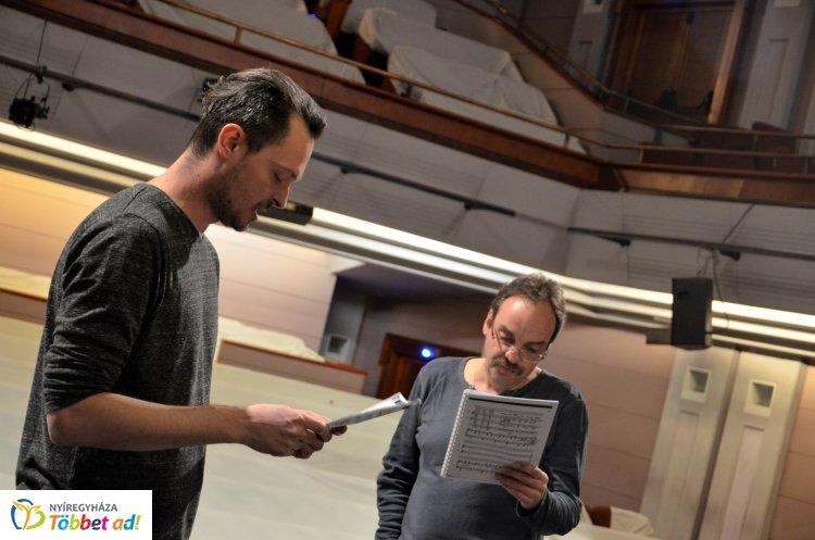 Április 20-án mutatják be a Bob herceget a Móricz Zsigmond Színház nagyszínpadán