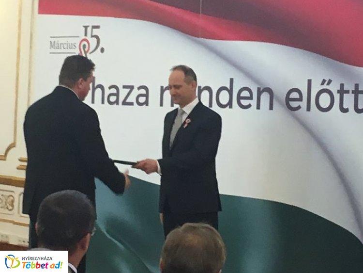 Kitüntették Nyíregyháza alpolgármesterét, dr. Ulrich Attilát a Stefánia Palotában