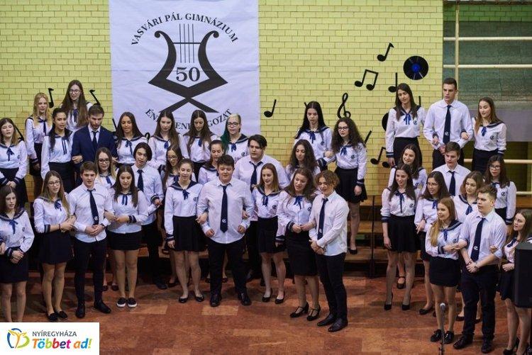 Nagyszabású jubileumi hangverseny a Vasváriban – 50 éves az ének-zene tagozat