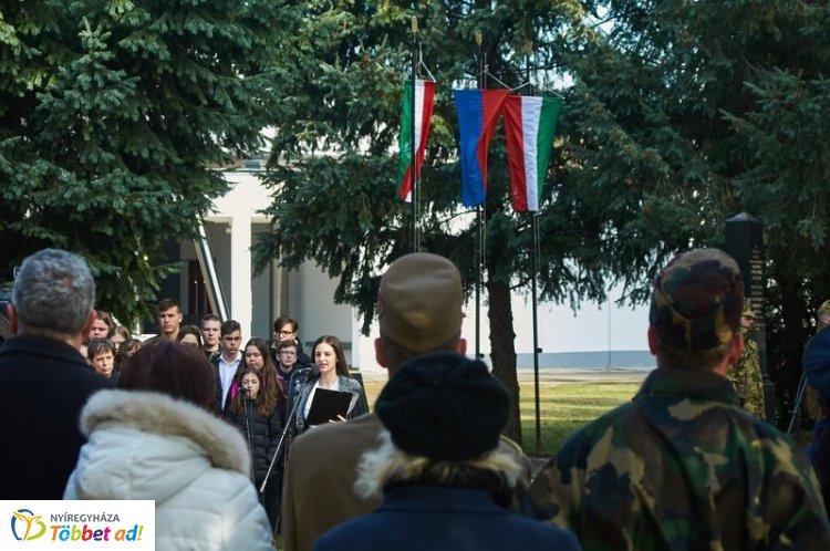 Megemlékezésekkel és koszorúzásokkal telt a március 14-e Nyíregyházán