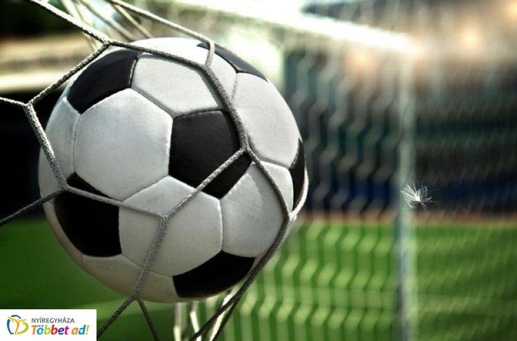 Jótékonysági focimeccs - Nyíregyházán az öregfiúk válogatott