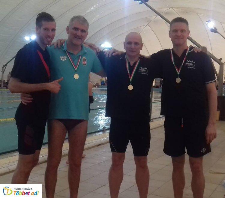 Ismét aranyakat úsztak a Fókák - ezúttal Békéscsabán indultak a nyíregyházi sportolók