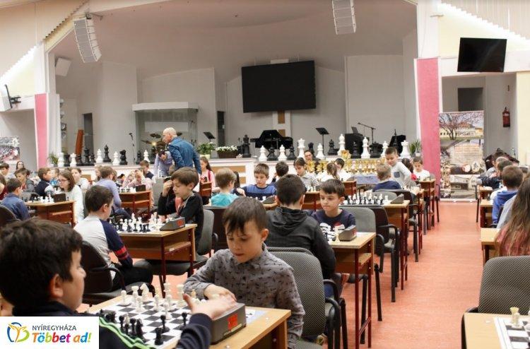 Bethlen Kupa Sakkverseny - az ország különböző pontjairól érkeztek versenyzők