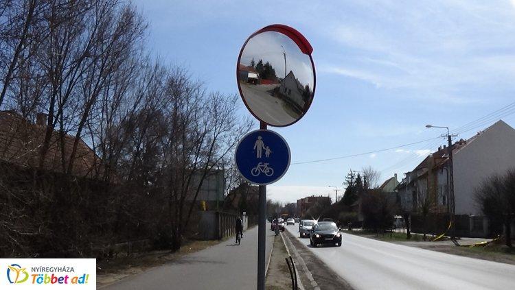 A biztonságos közlekedésért - új parabolatükör segíti a közlekedőket