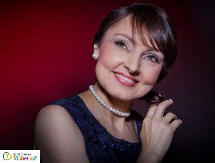 Szíj Melinda jótékonysági estje Nyíregyházán, a Patrónus Egyesület javára