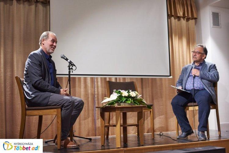 Többszemközt Gáspár Tibor Jászai Mari-díjas, Érdemes művésszel a Bencs Villában