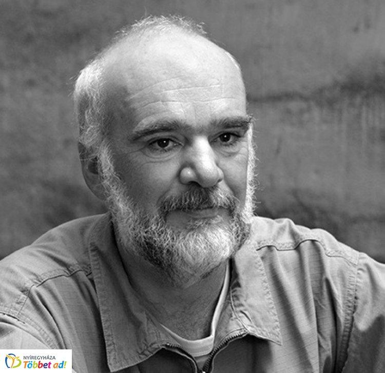 A kortárs irodalom házhoz jön! Vida Gábor a MŰVÉSZASZTAL vendége