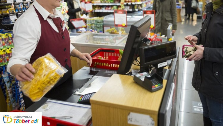 Új rekordokat ígér a húsvéti szezon, 8-10 százalékkal több bevételre számítanak a boltok