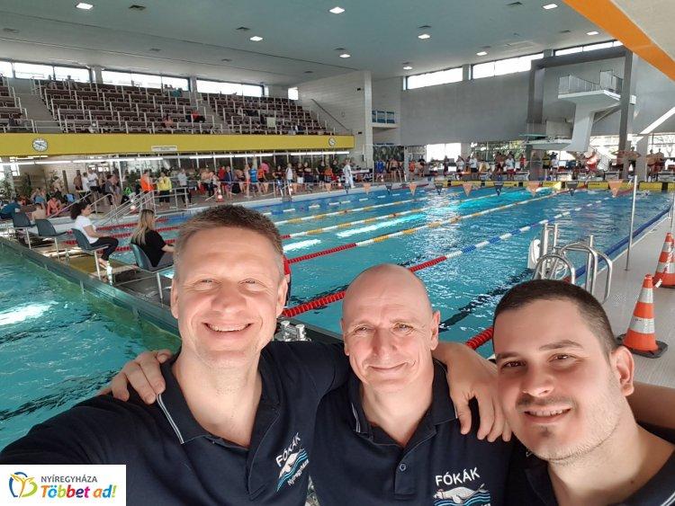 Bécsben a fókák - nemzetközi versenyen indultak a szenior úszók
