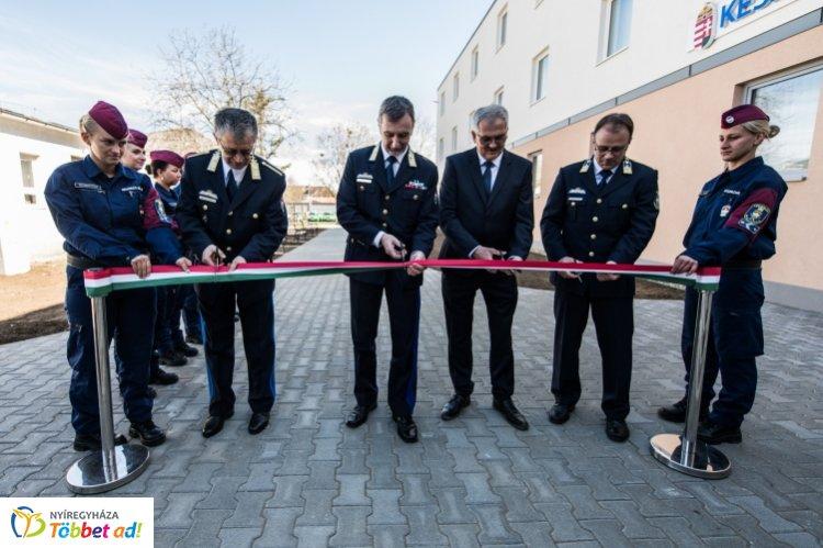 Korszerű elhelyezési feltételek – Nyírbátorban épült meg a legújabb határvadász-komplexum