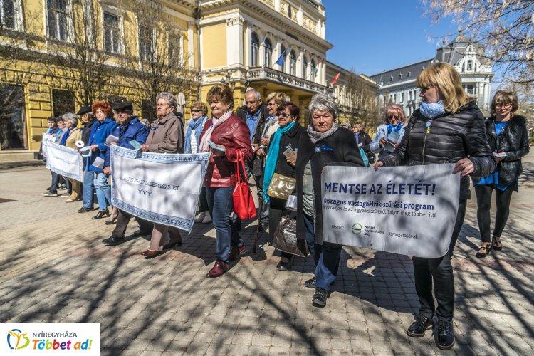 Kék séta – Idén is megrendezték a figyelemfelkeltő prevenciós eseményt Nyíregyházán