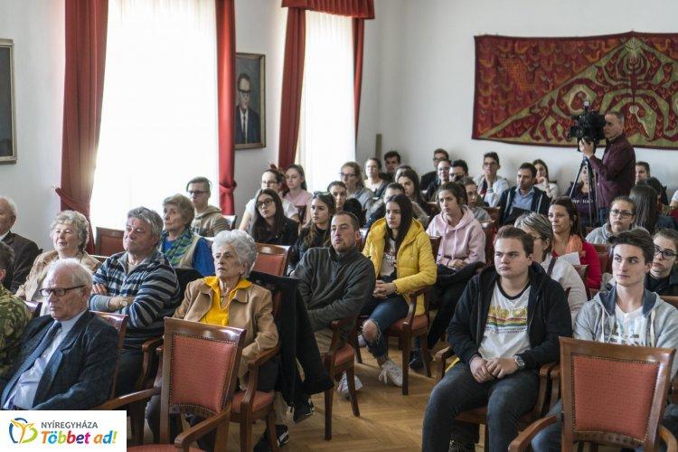 Katonai vezetők az X generációból címmel tartottak előadást a Jósa András Múzeumban