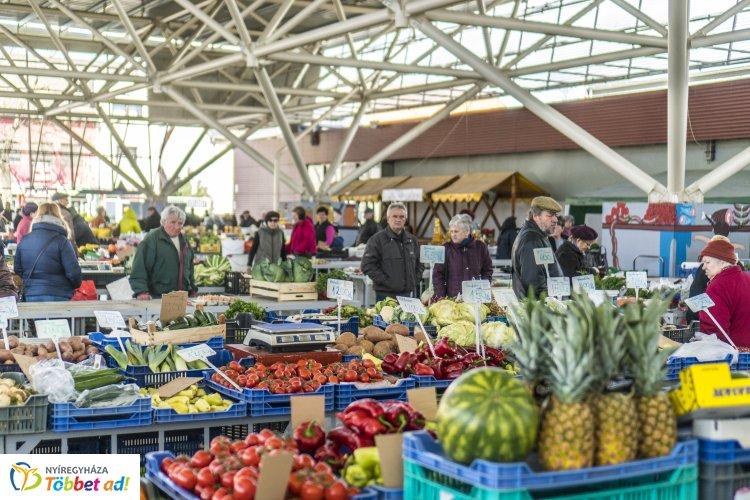 Minden mi szem-szájnak ingere! – Ilyen Nyíregyházán a Búza téri piaccsarnok