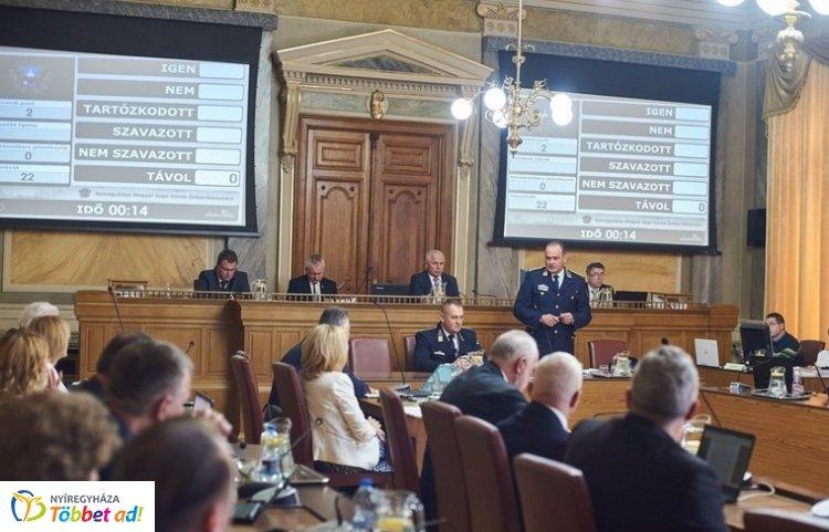 Közgyűlés – Egyöntetű elismerés a rendőrségnek és a katasztrófavédelemnek, tűzoltóságnak