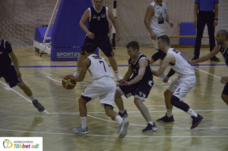 Kosárlabda NB-II - legyőzte a Debrecent hazai pályán a Sunshine NYIKSE